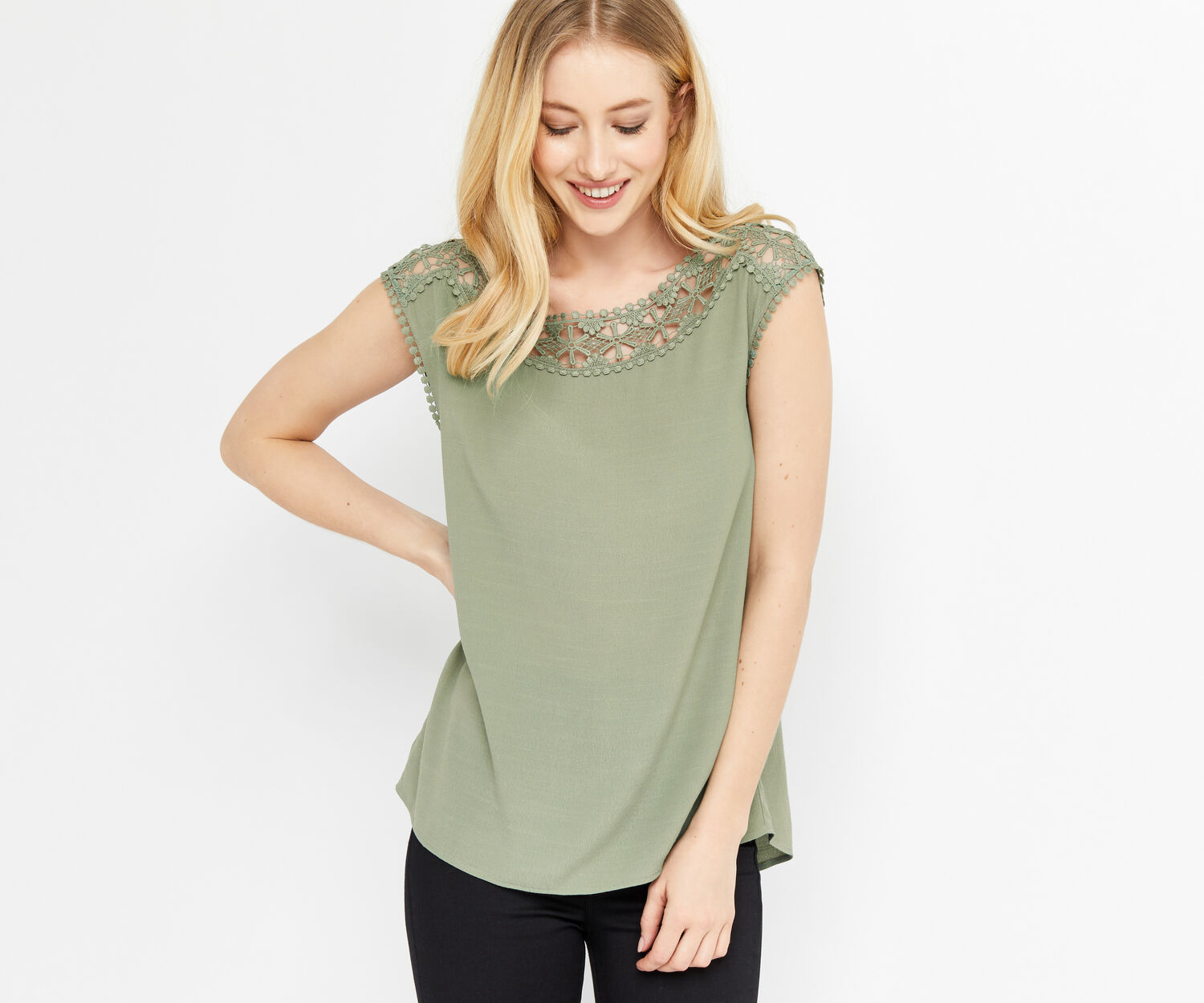 Oasis, LACE TRIM T-SHIRT Khaki 1