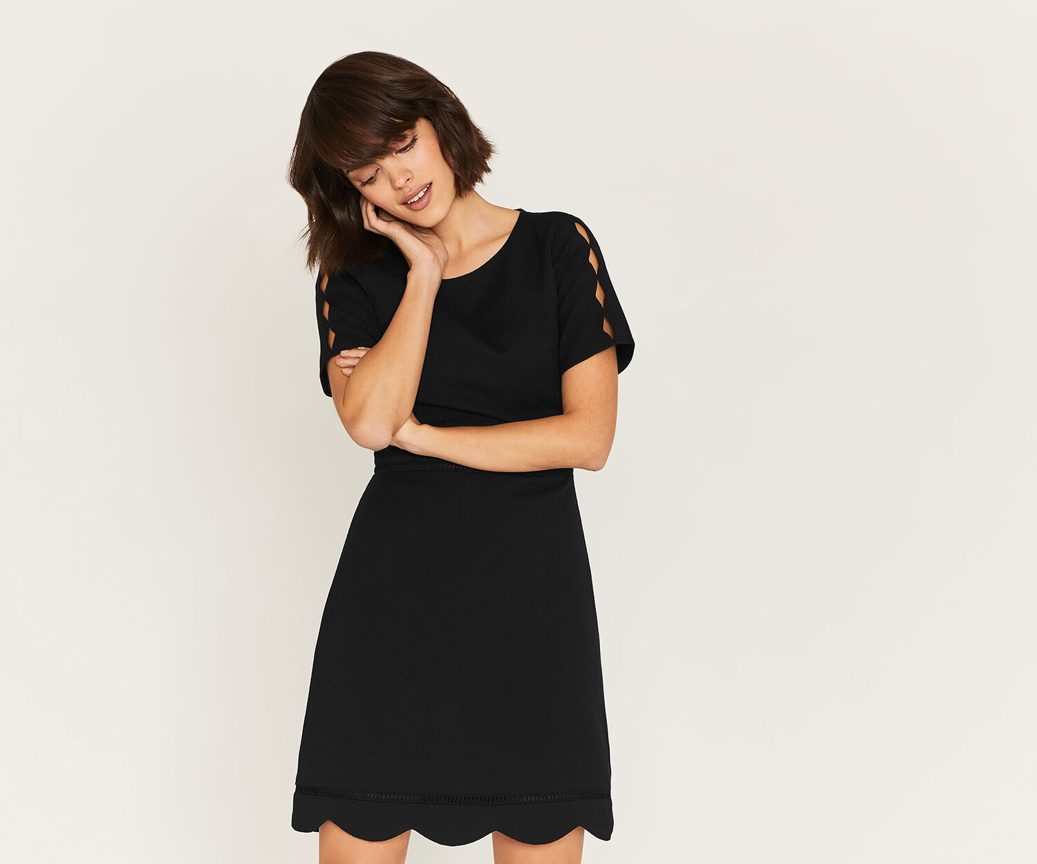 Oasis, SCALLOP SLEEVE DRESS Black 1