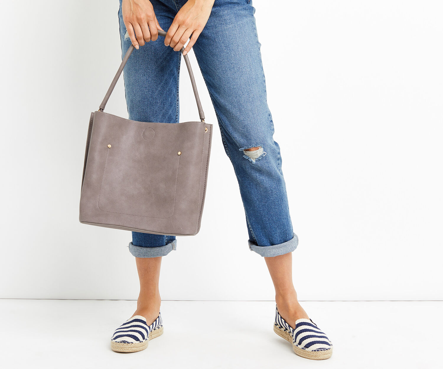 Oasis, TRIPLE COMPARTMENT HOBO Mid Grey 1