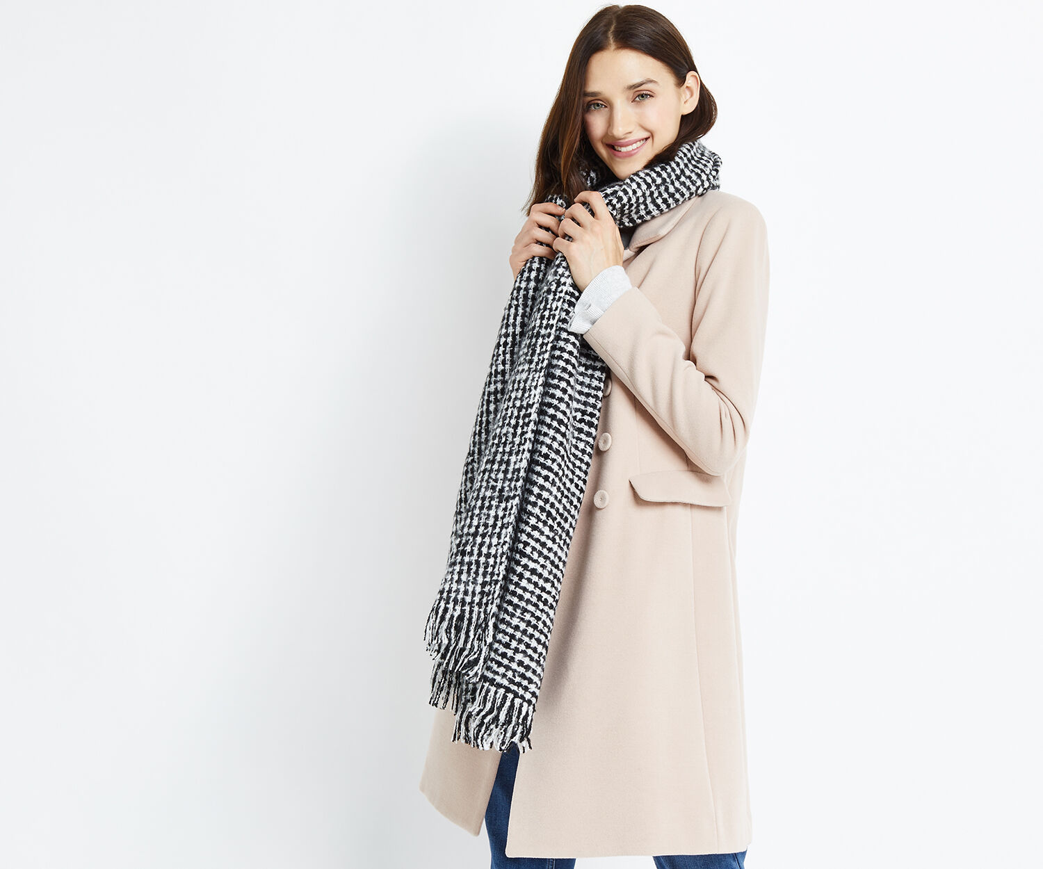 Oasis, BOUCLE BLACK AND WHITE SCARF Multi 1
