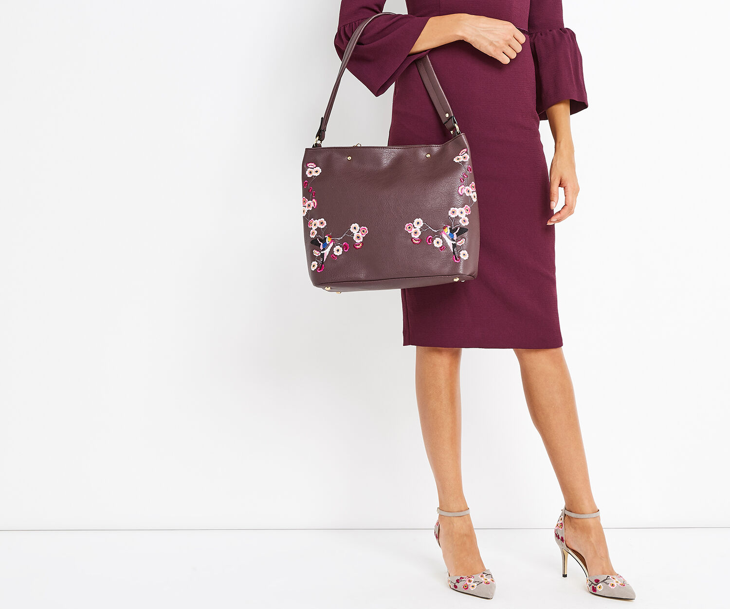 Oasis, EMBROIDERED HOBO Burgundy 1