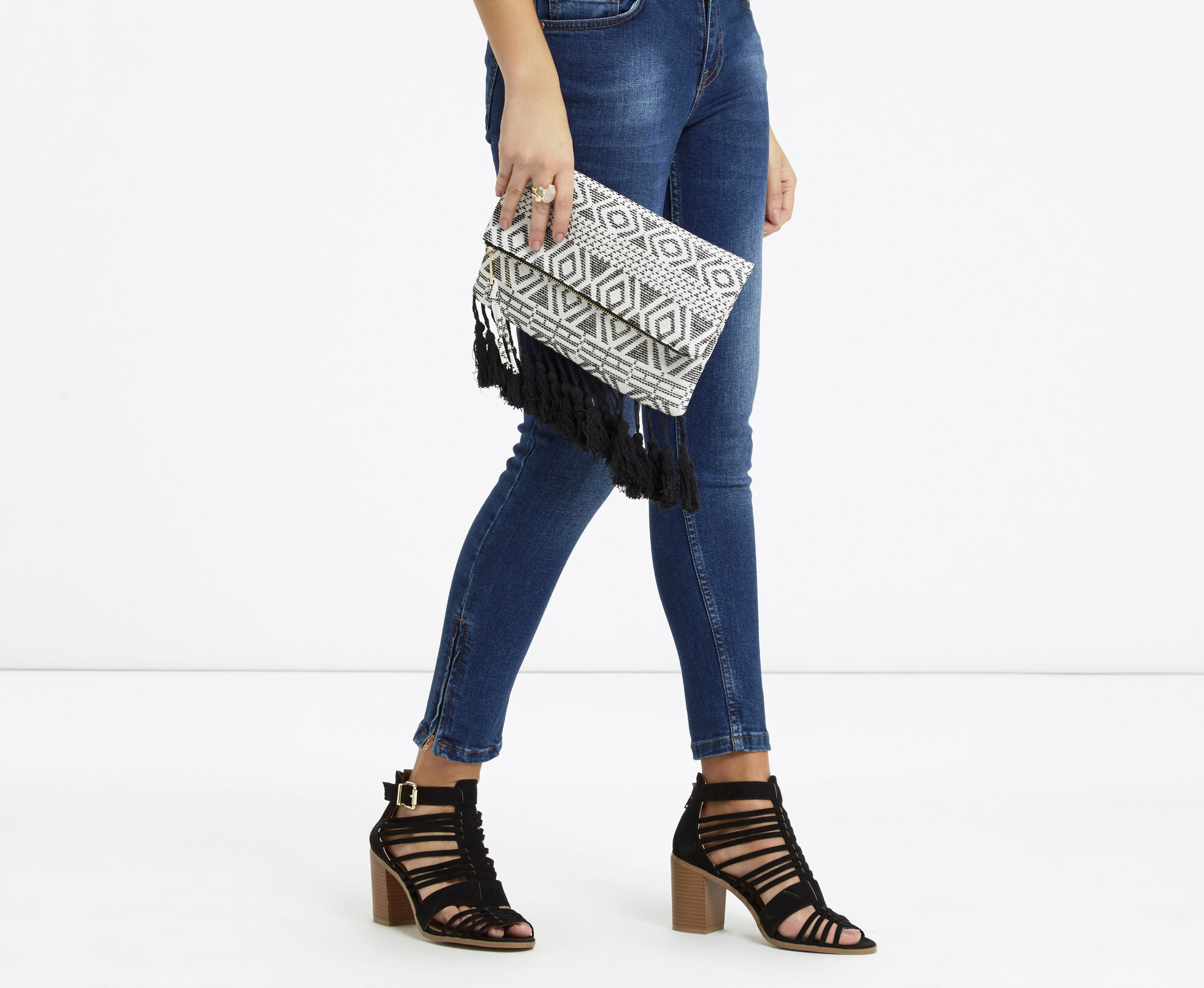 Oasis, Summer Aztec Clutch Black and White 1