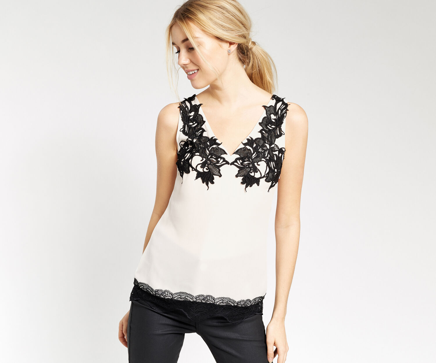 Oasis, LACE DETAIL TOP Off White 1