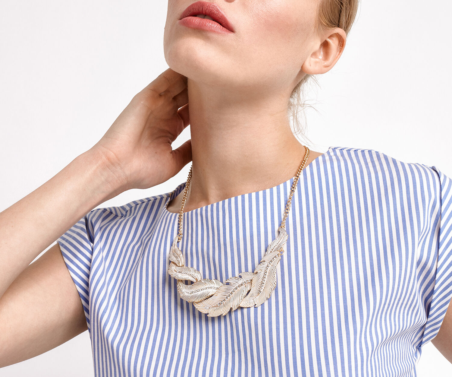 Oasis, FEATHER NECKLACE Gold 1