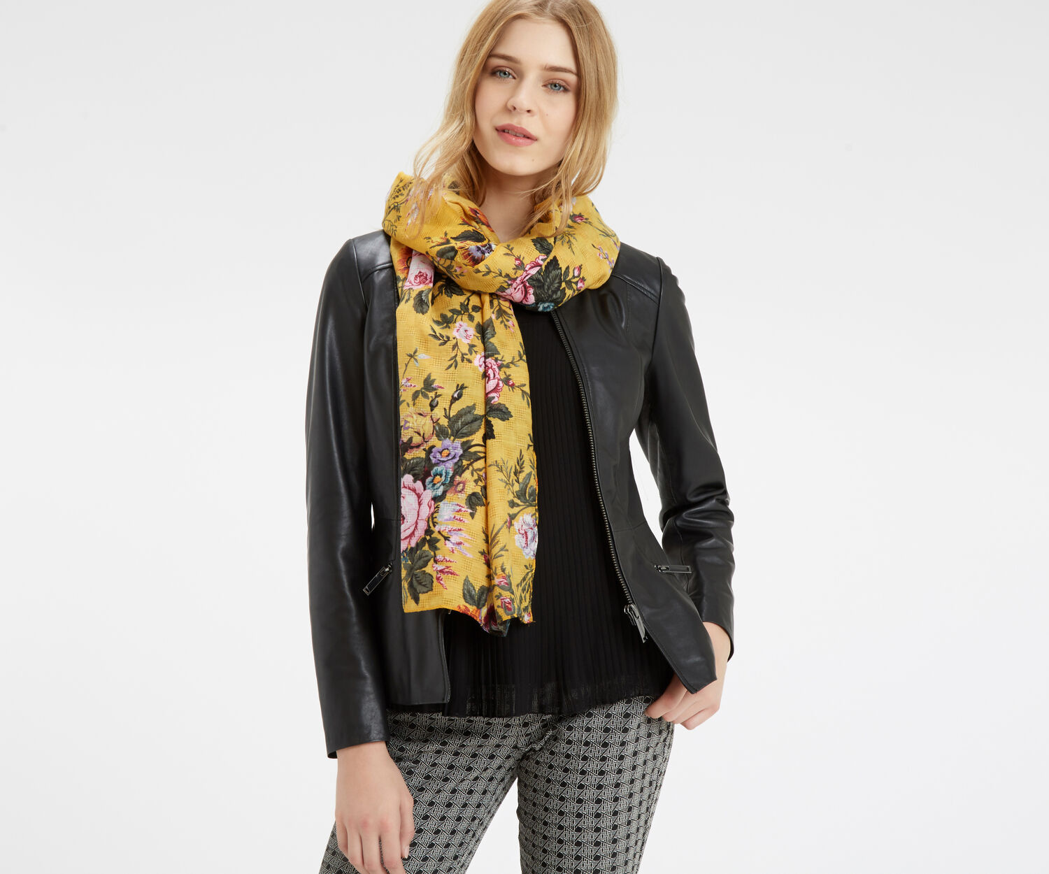 Oasis, Fi-Fi Floral Scarf Mid Yellow 1