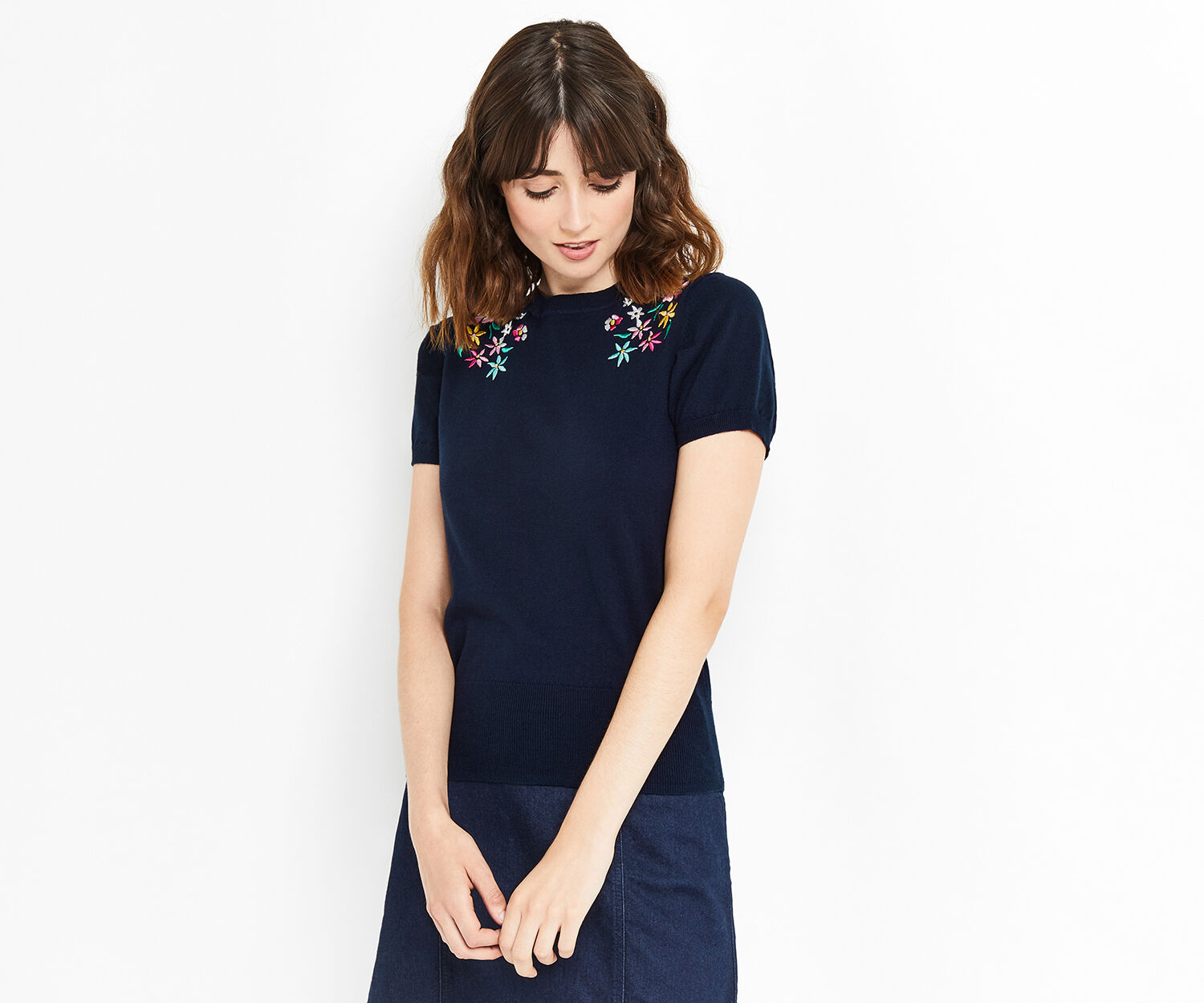 Oasis, EMBROIDERED FLORAL KNIT Navy 1