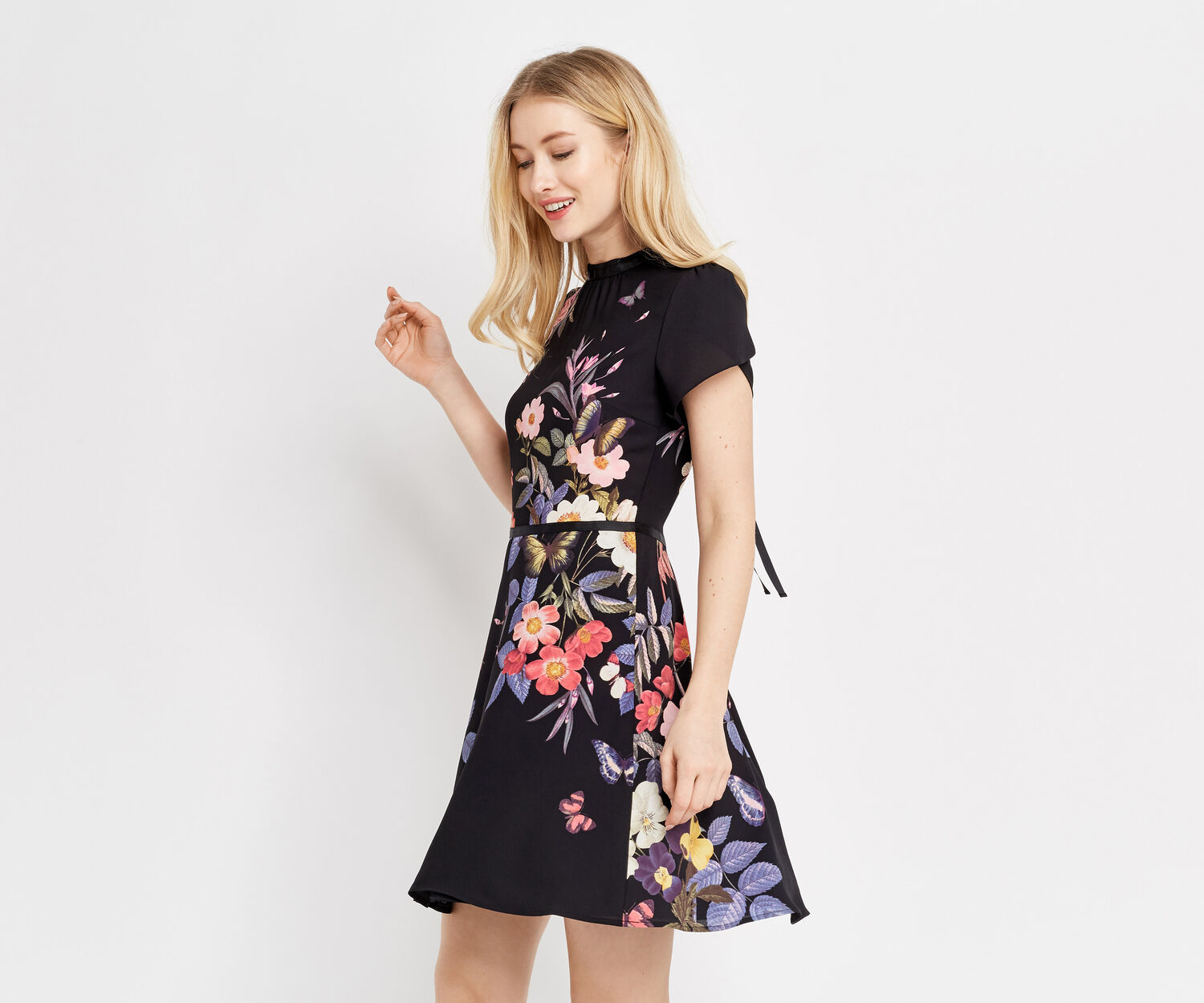 Oasis, FLORAL PLACEMENT SKATER DRESS Multi Black 1