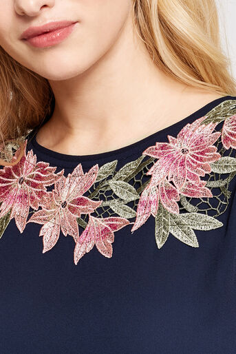 Oasis, FLORAL LACE TRIM TEE Navy 4