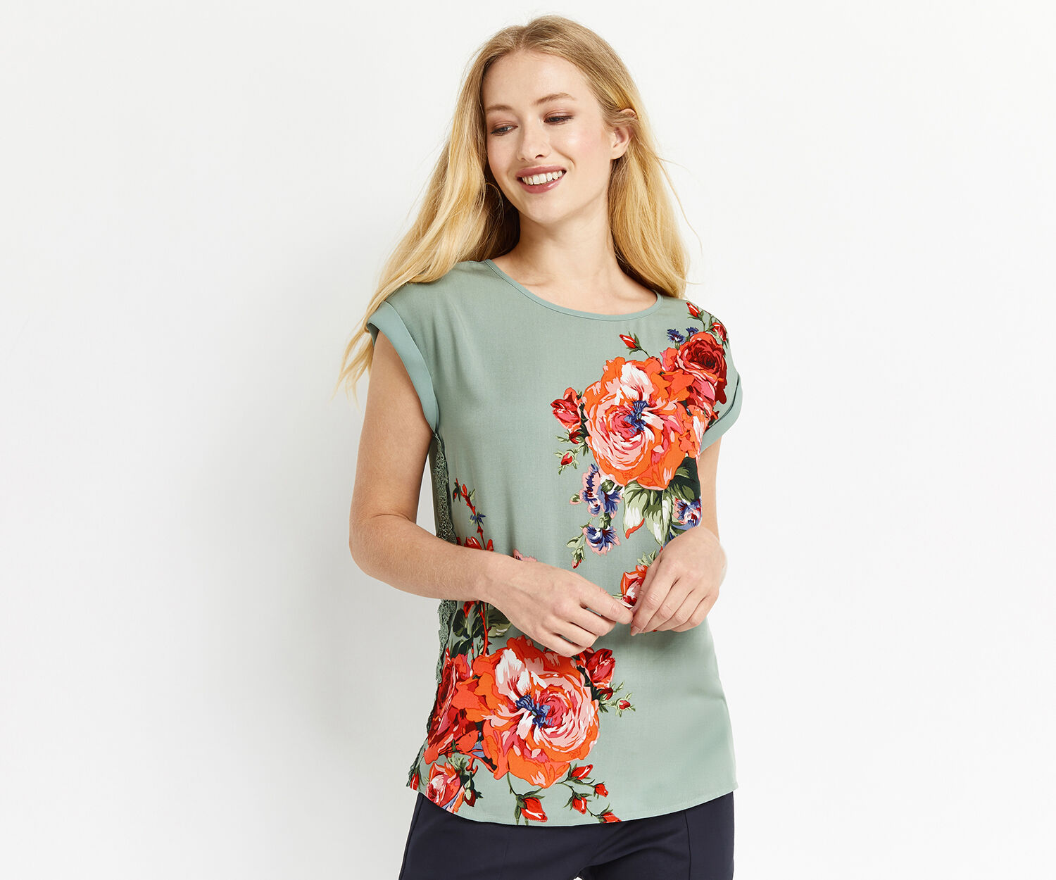 Oasis, ROSE PLACEMENT LACE TRIM TEE Multi Green 1