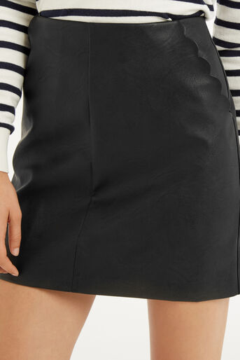 Oasis, FAUX LEATHER SCALLOP SKIRT Black 4