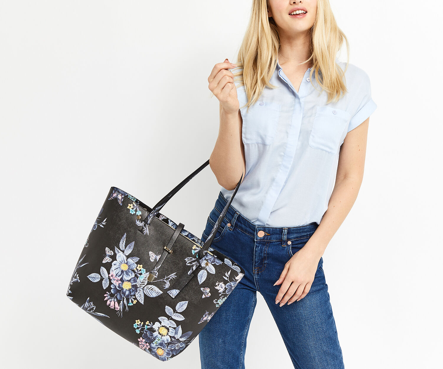 Oasis, SHIPWRECKED PRINTED SHOPPER Multi Black 1