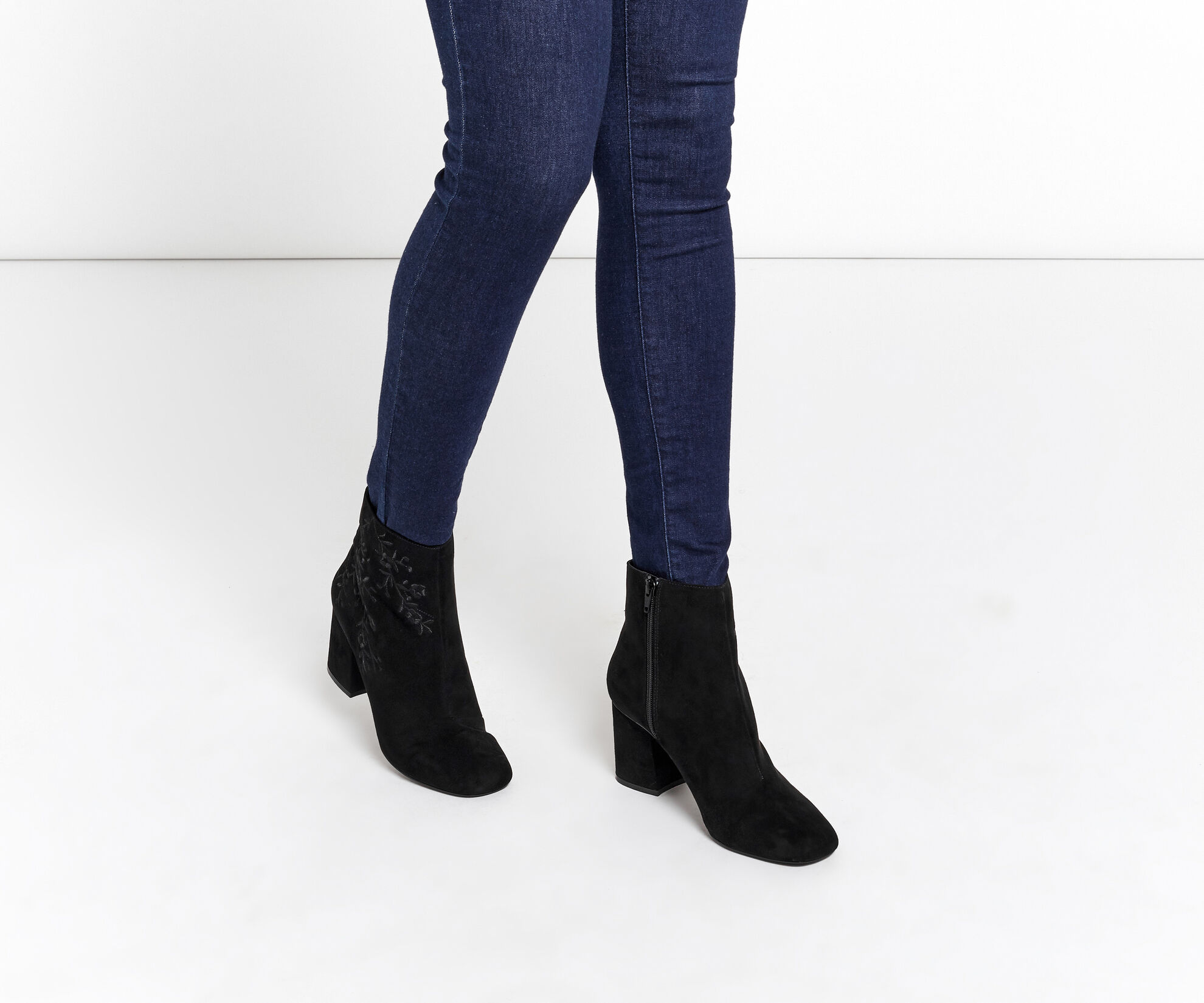 Oasis, EMBROIDERED ANKLE BOOT Black 1