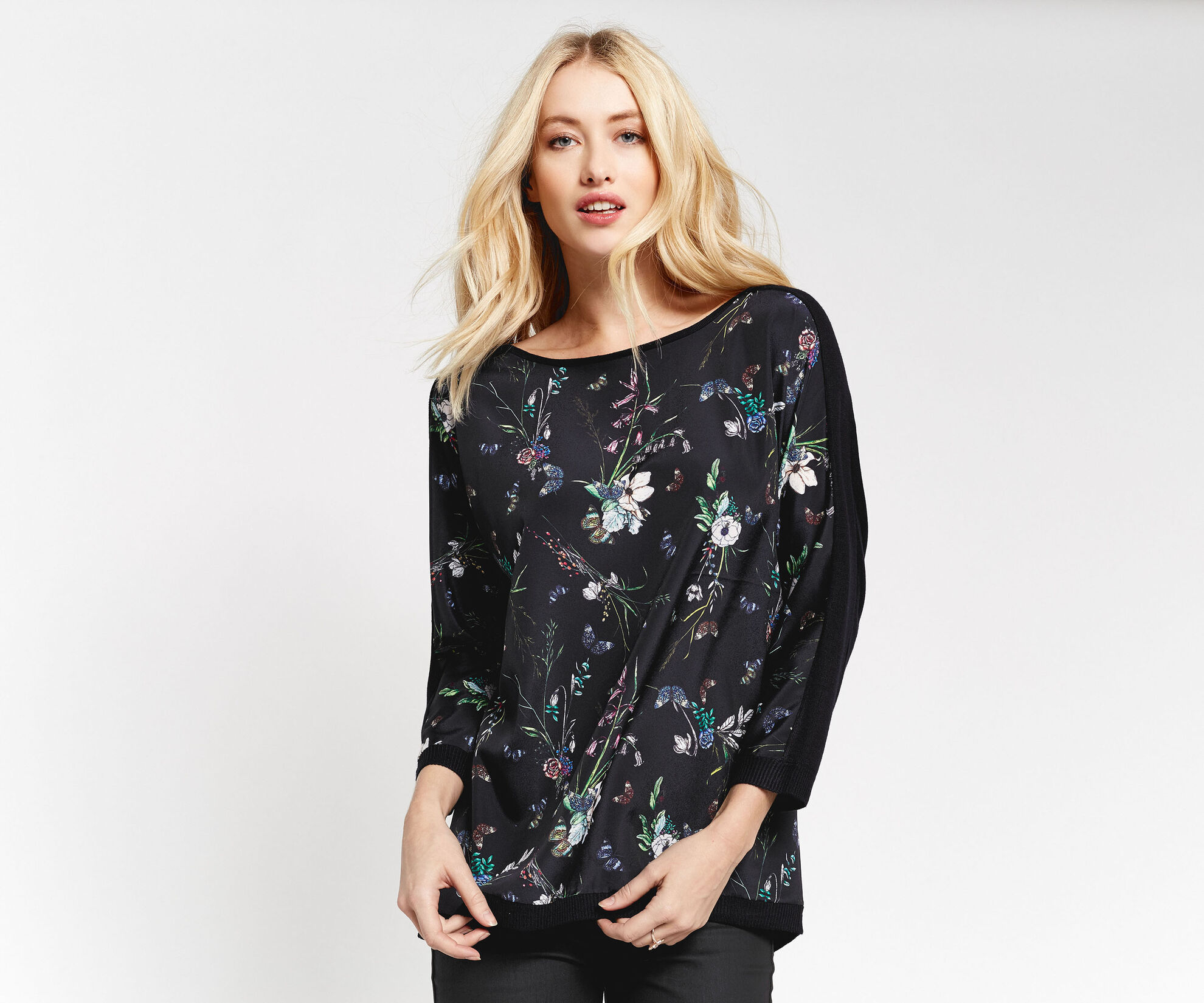 Oasis, Forest butterfly front top Navy 1