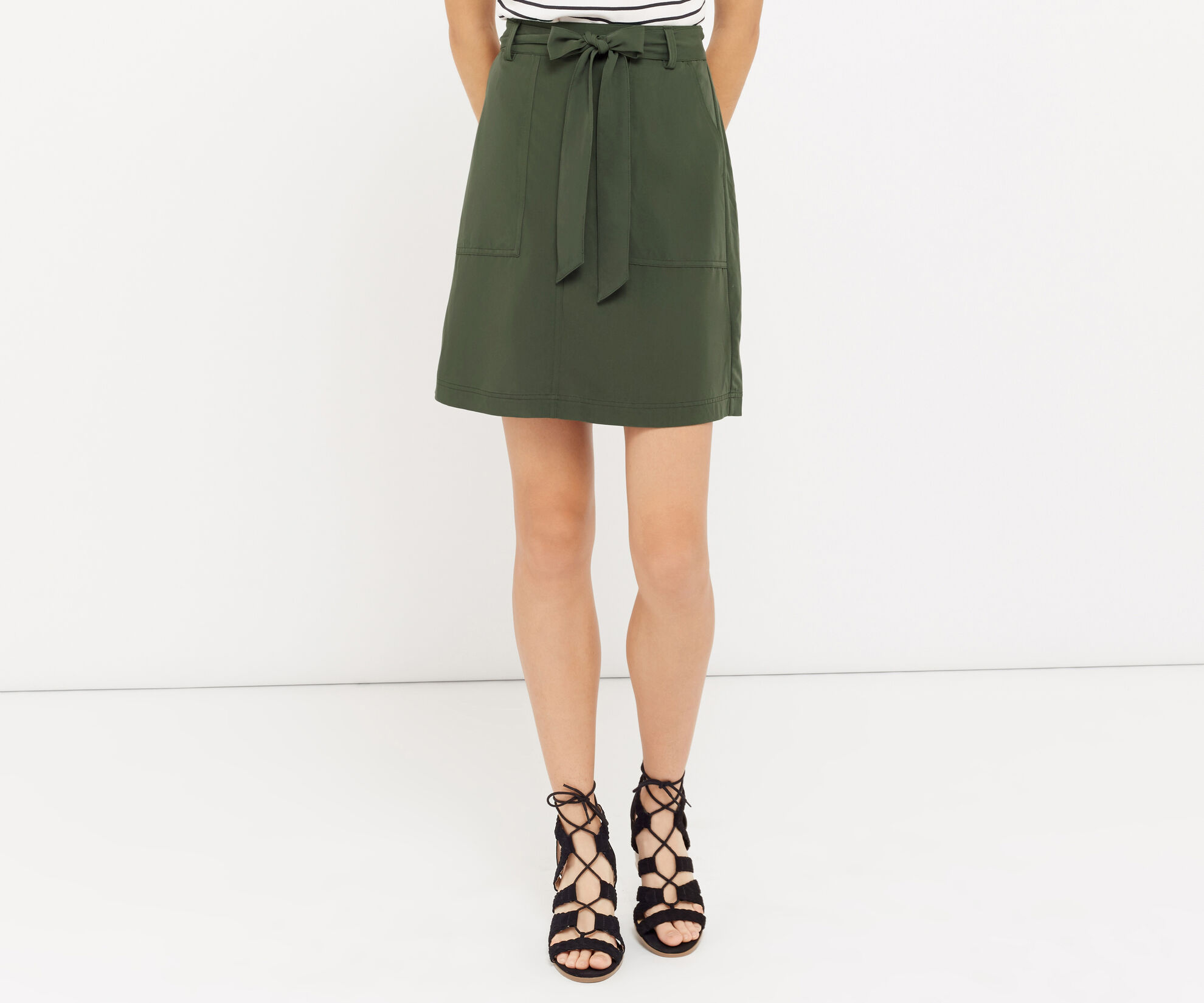 Oasis, Patch pocket utility skirt Khaki 1