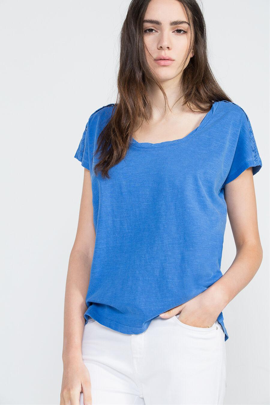 Lace edging t-shirt