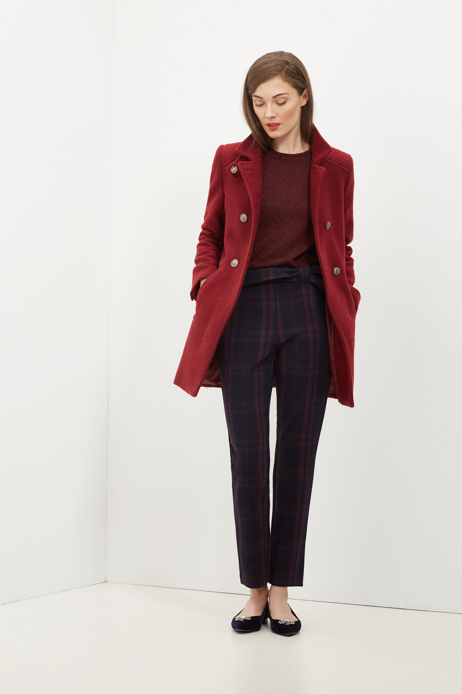 Double-buttoned coat