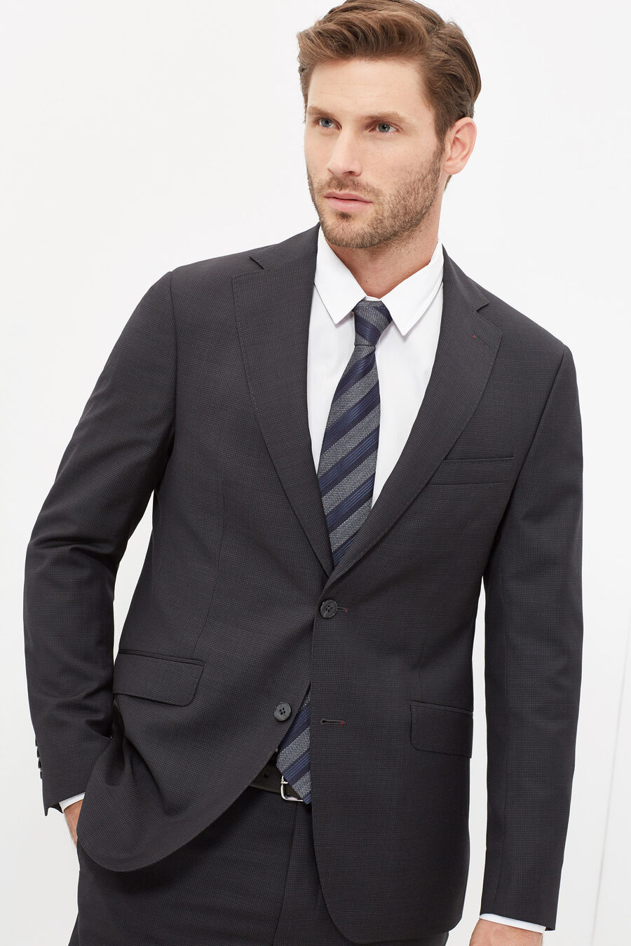 Tailored fit sartorial suit
