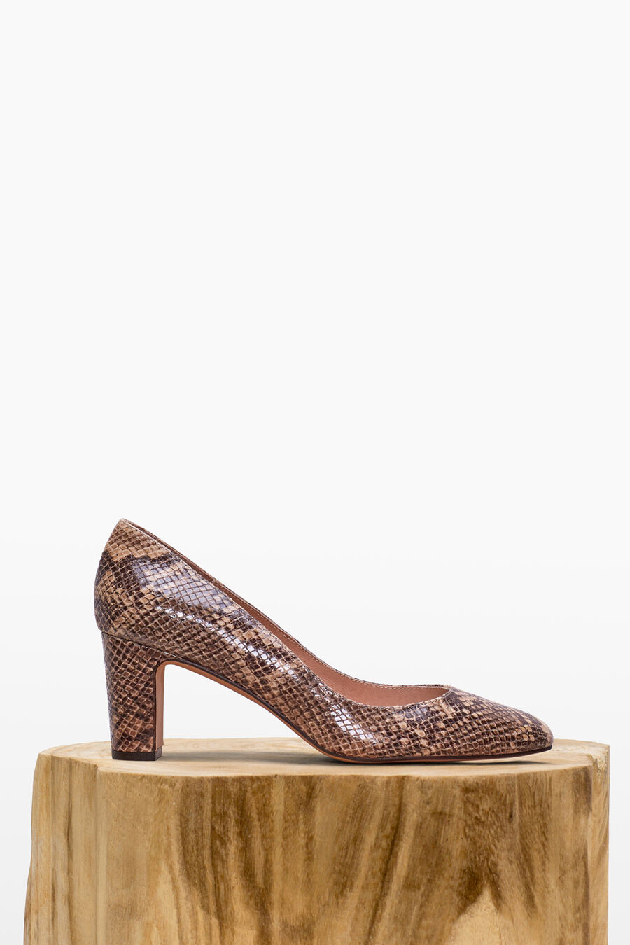 Leather snakeskin print shoes
