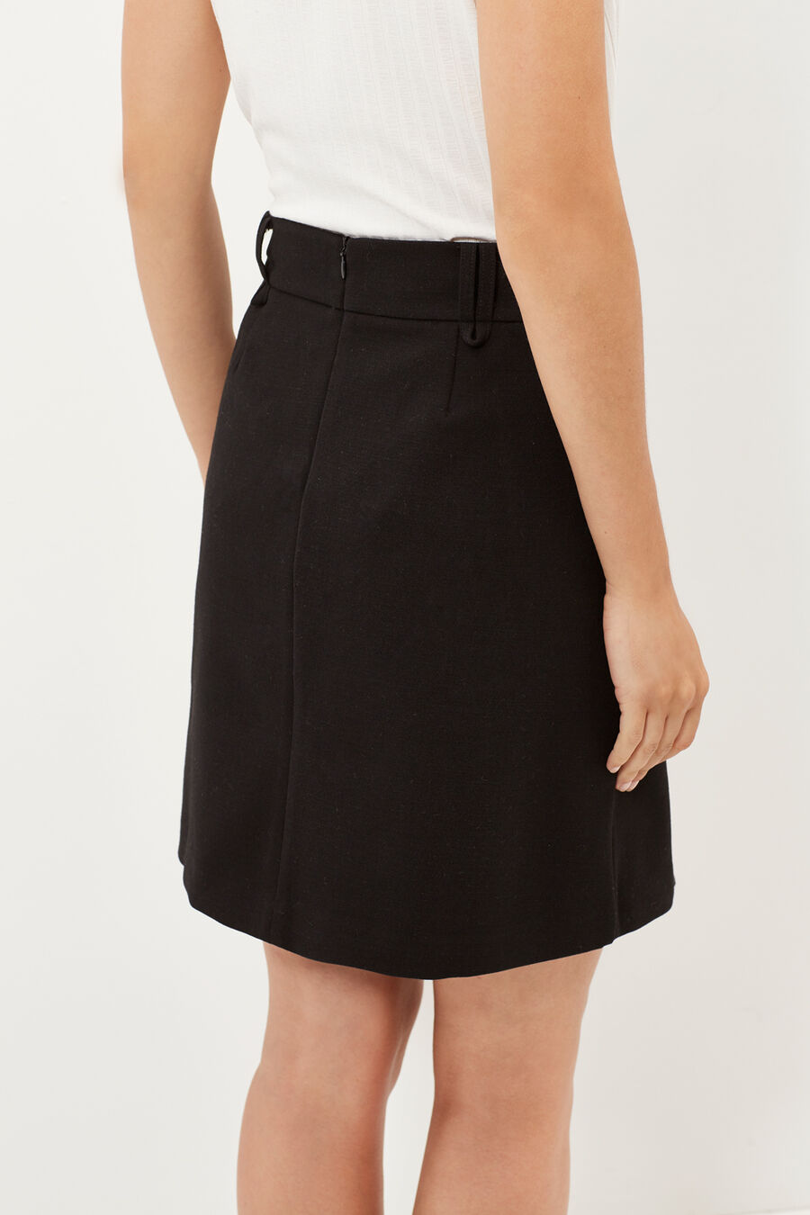 Miniskirt with pockets