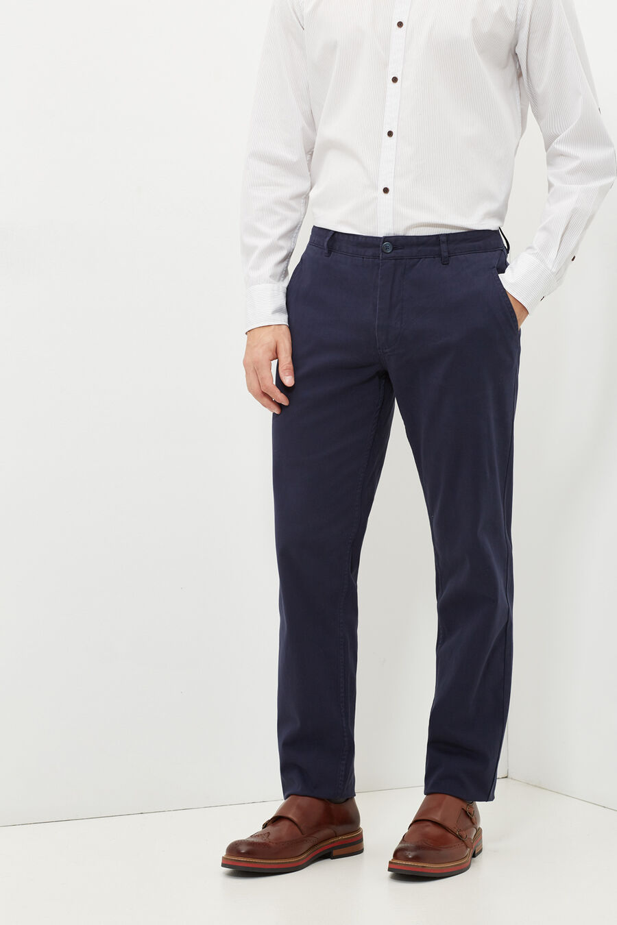 Tailored fit chinos