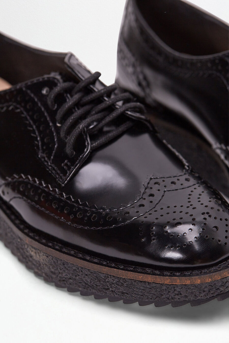 Perforated Bluchers