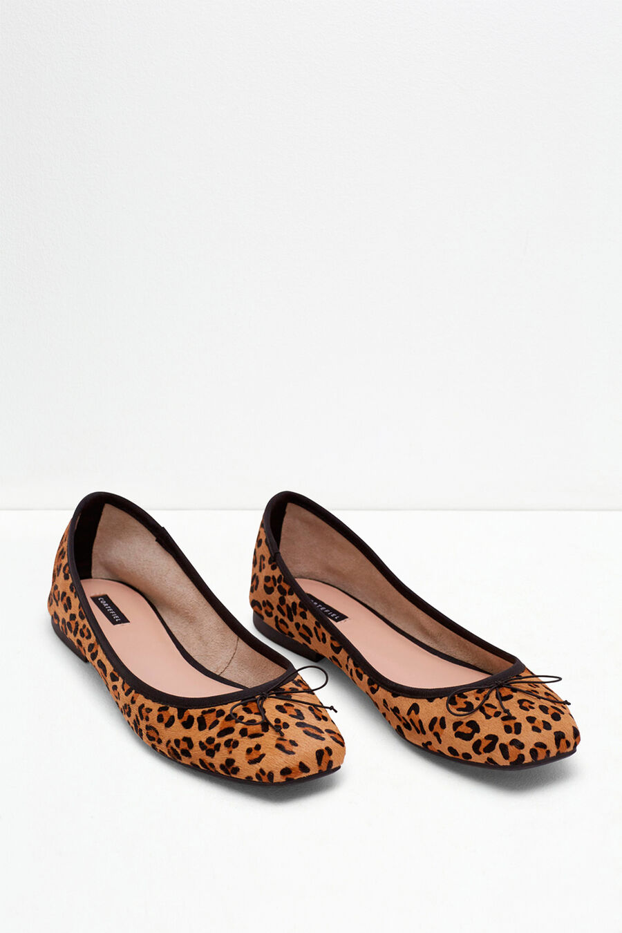Classic leather ballet pumps