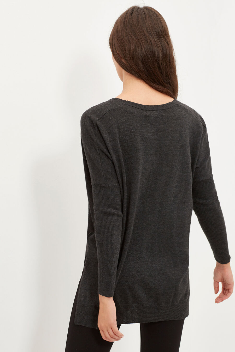 Jumper with side slits