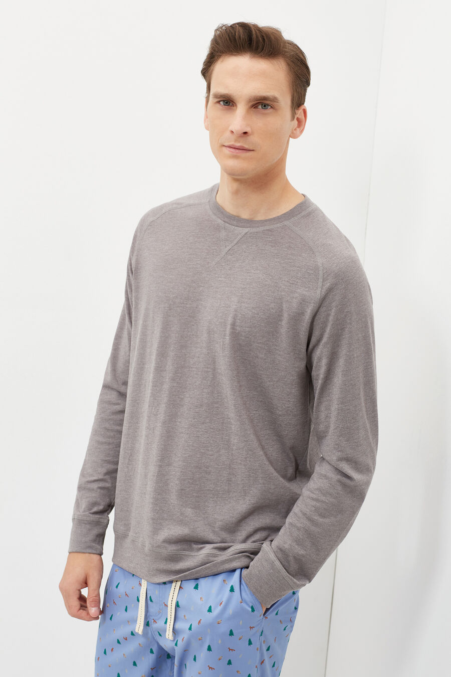 Long-sleeved pyjama top.