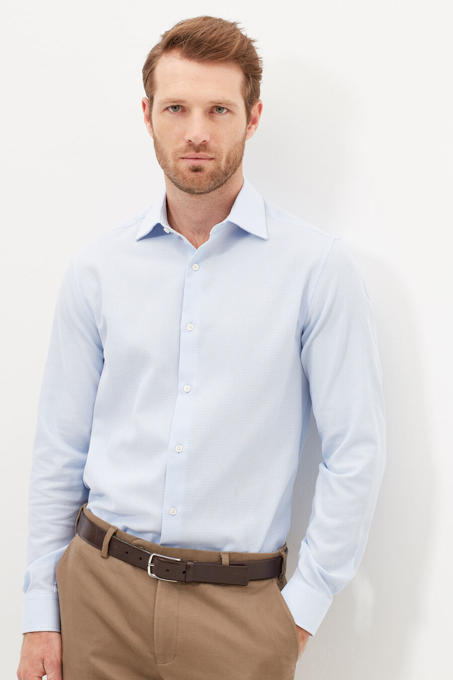 Tailored fit dress shirt