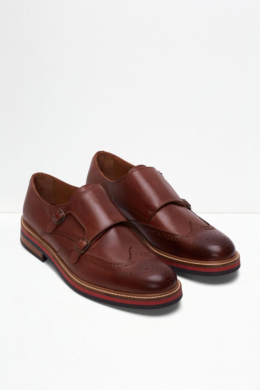 Buckle shoe