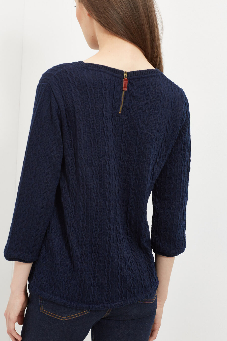 Structured jumper
