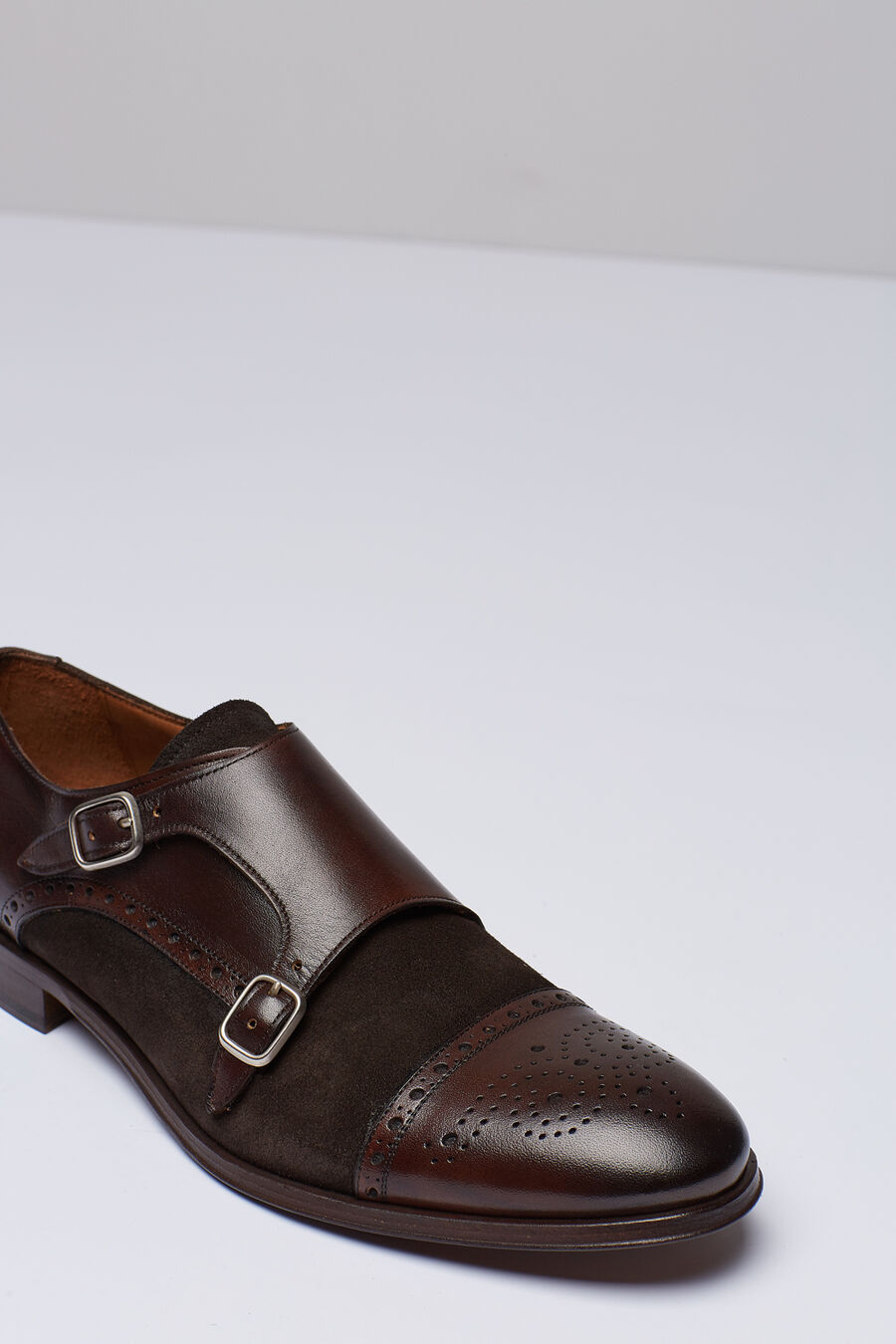 2 buckle shoes