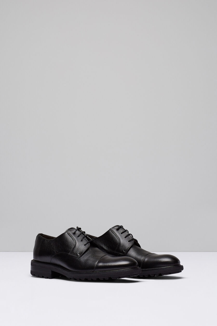 Leather blucher shoe