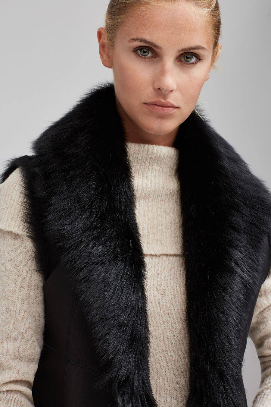 Fur and nappa leather gilet