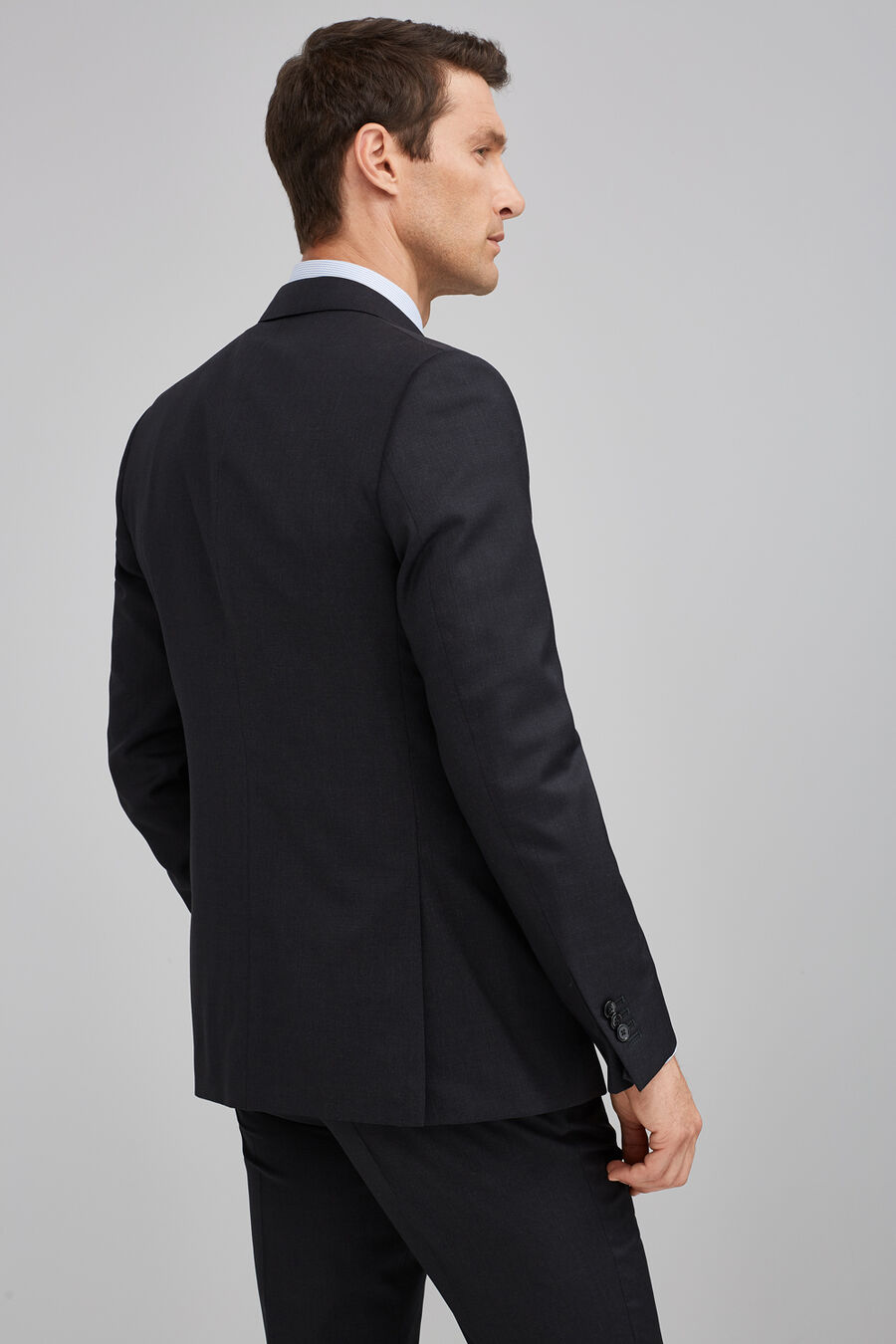 Wool tailored fit suit