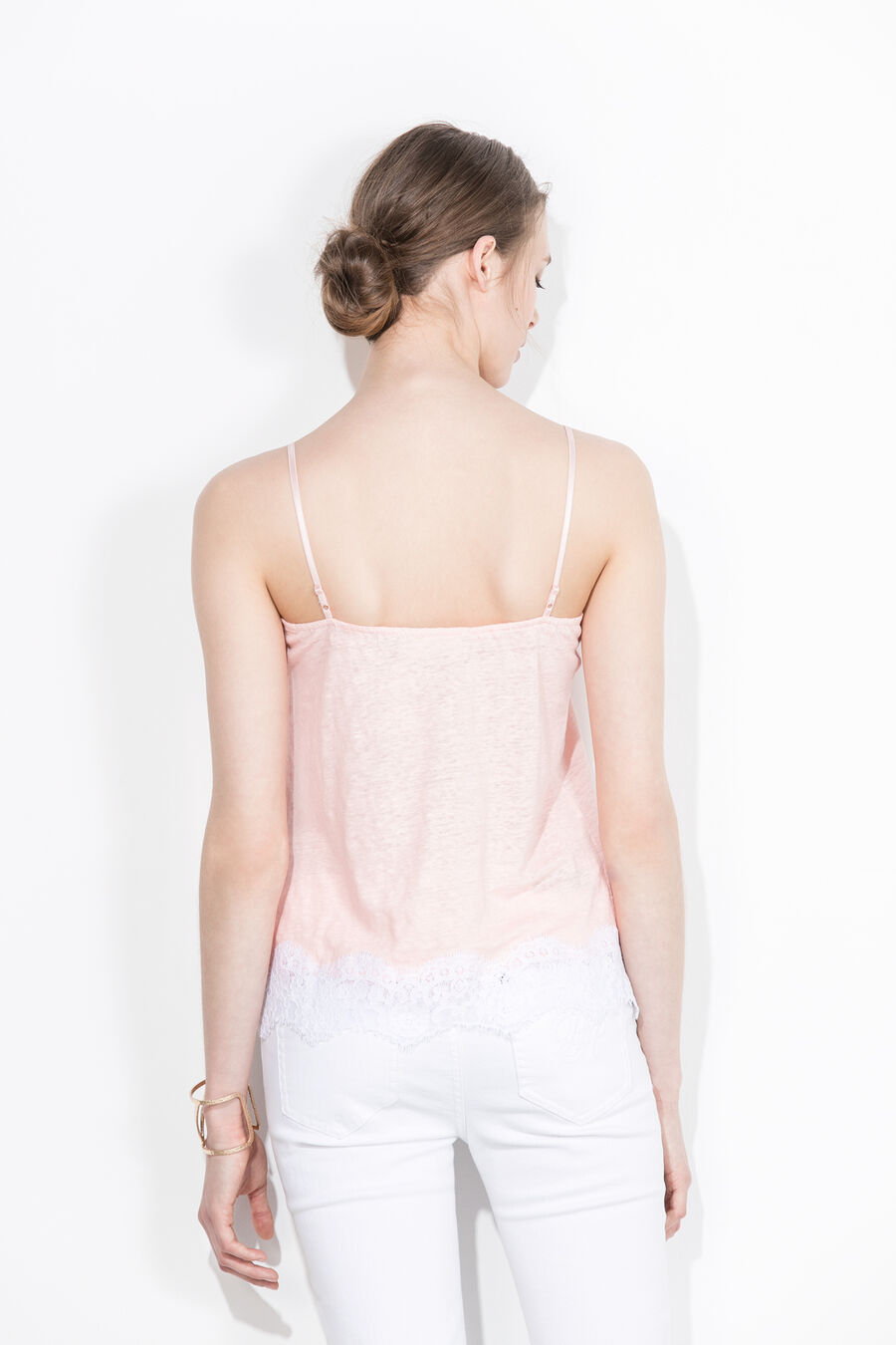 Strapped t-shirt with lace