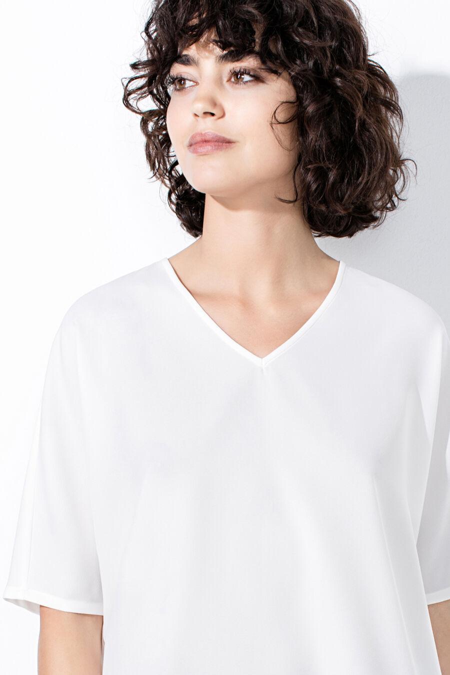 Short V-neck blouse
