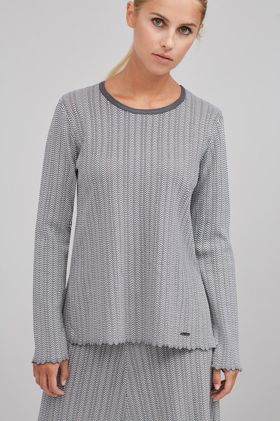 Herringbone round neck jumper