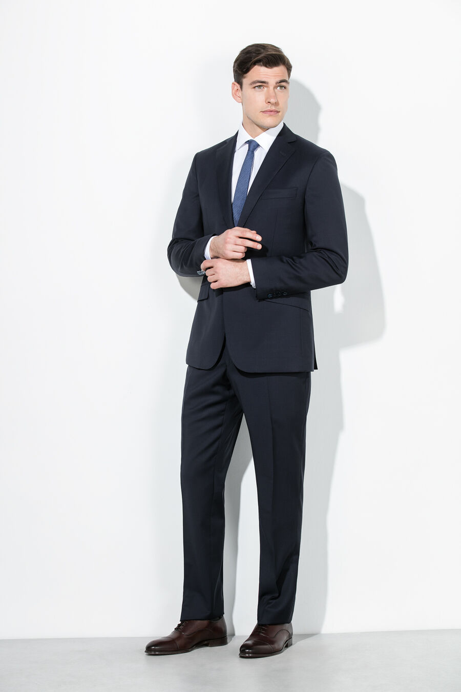 Plain tailored suit