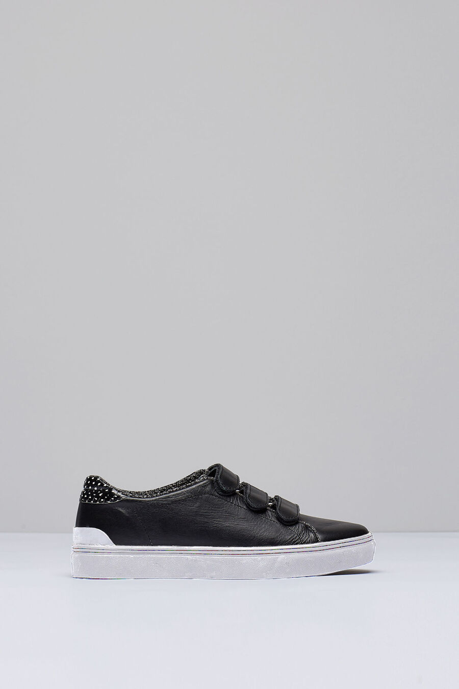 Three velcro sneaker