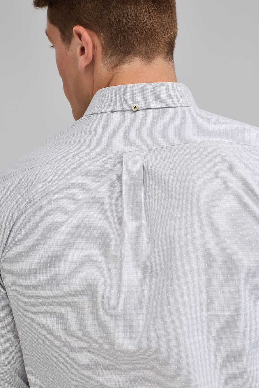 Tailored fit jacquard shirt