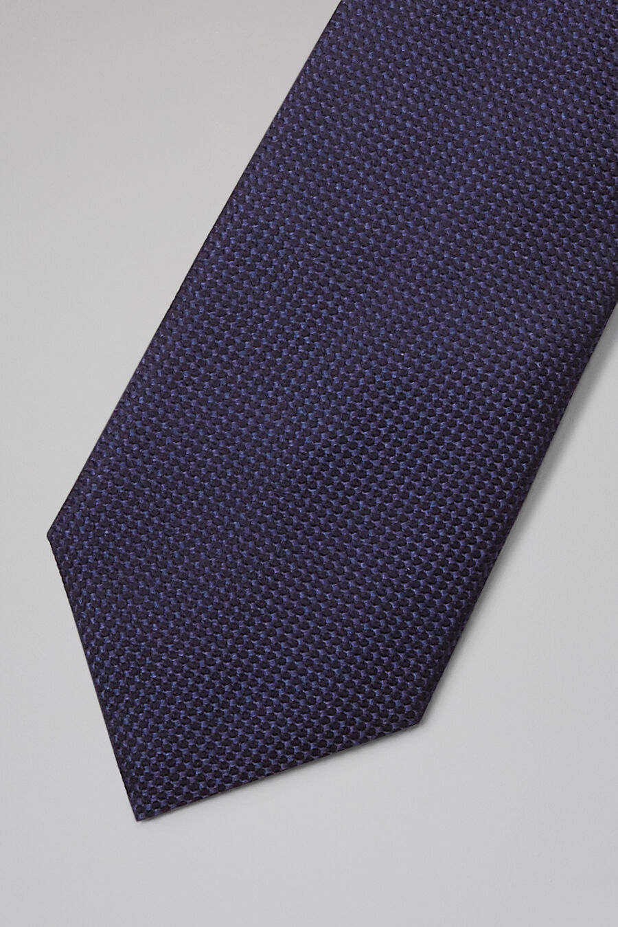 Silk structured tie