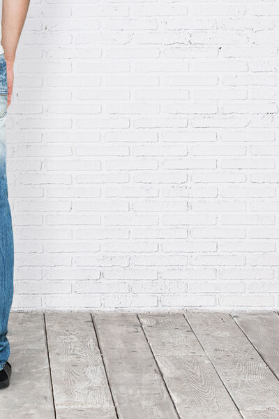 RELAXED-FIT MEDIUM WASH DENIM JEANS