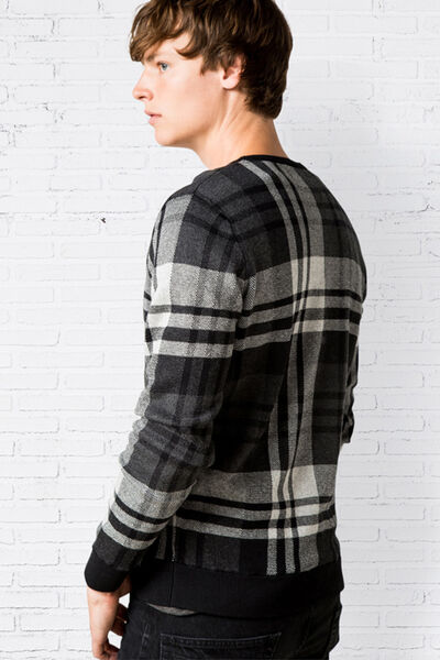 CHECKED JACQUARD SWEATER