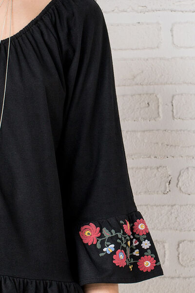 EMBROIDERED FAUX SUEDE T-SHIRT