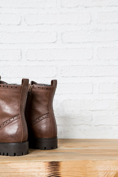 DIE-CUT LEATHER BOOTS