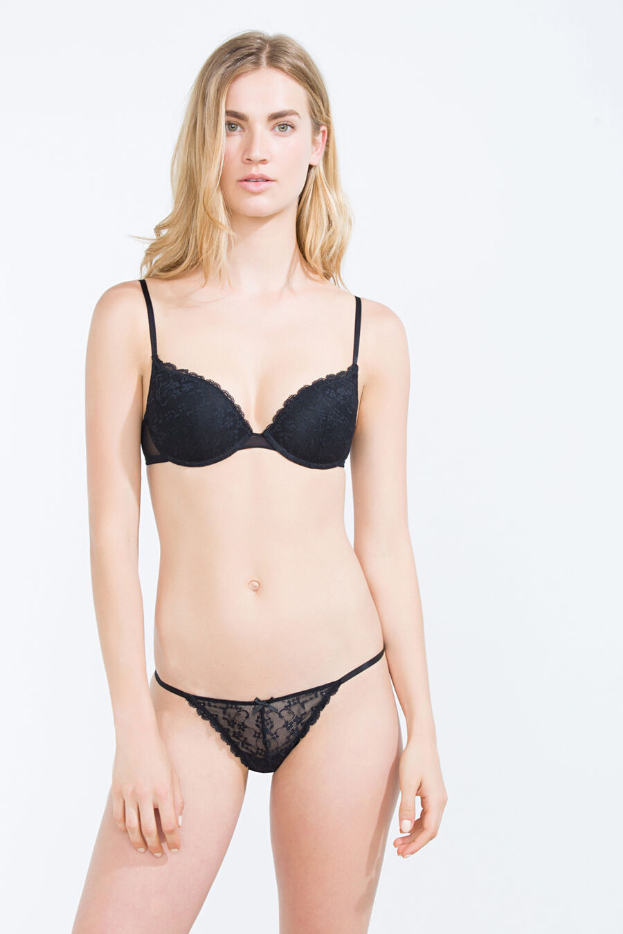 Lace mesh thong