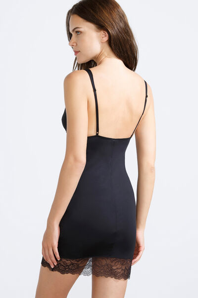 Lace dress slip</br>Elsa Pataky look