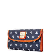 Yankees Continental Clutch