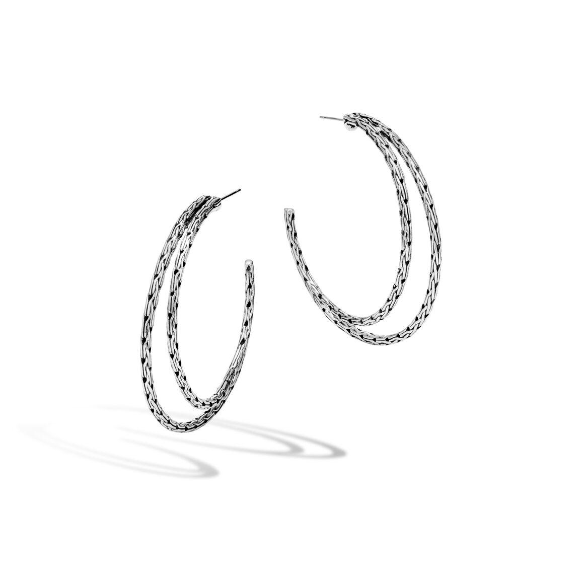 Classic Chain Medium Hoop Earring in Silver